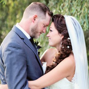 toronto-bridal-style-outdoor-wedding-bride and groom-makeup-hairstyling-sidestyle-braid-veil-mobile hairstylist