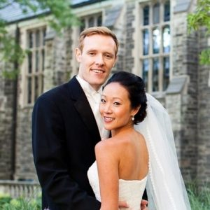 chinese-fusion-wedding-toronto-asian_bride-bridal-makeup-outdoor-uoft-college