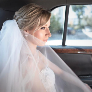 distillery-district-wedding-bridal-makeup-toronto-limo-bride-veil