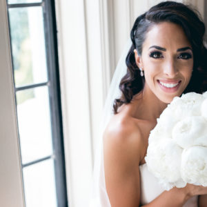 toronto_bridal_style-glam-wedding-makeup-hollywood_wave-hair-peonies