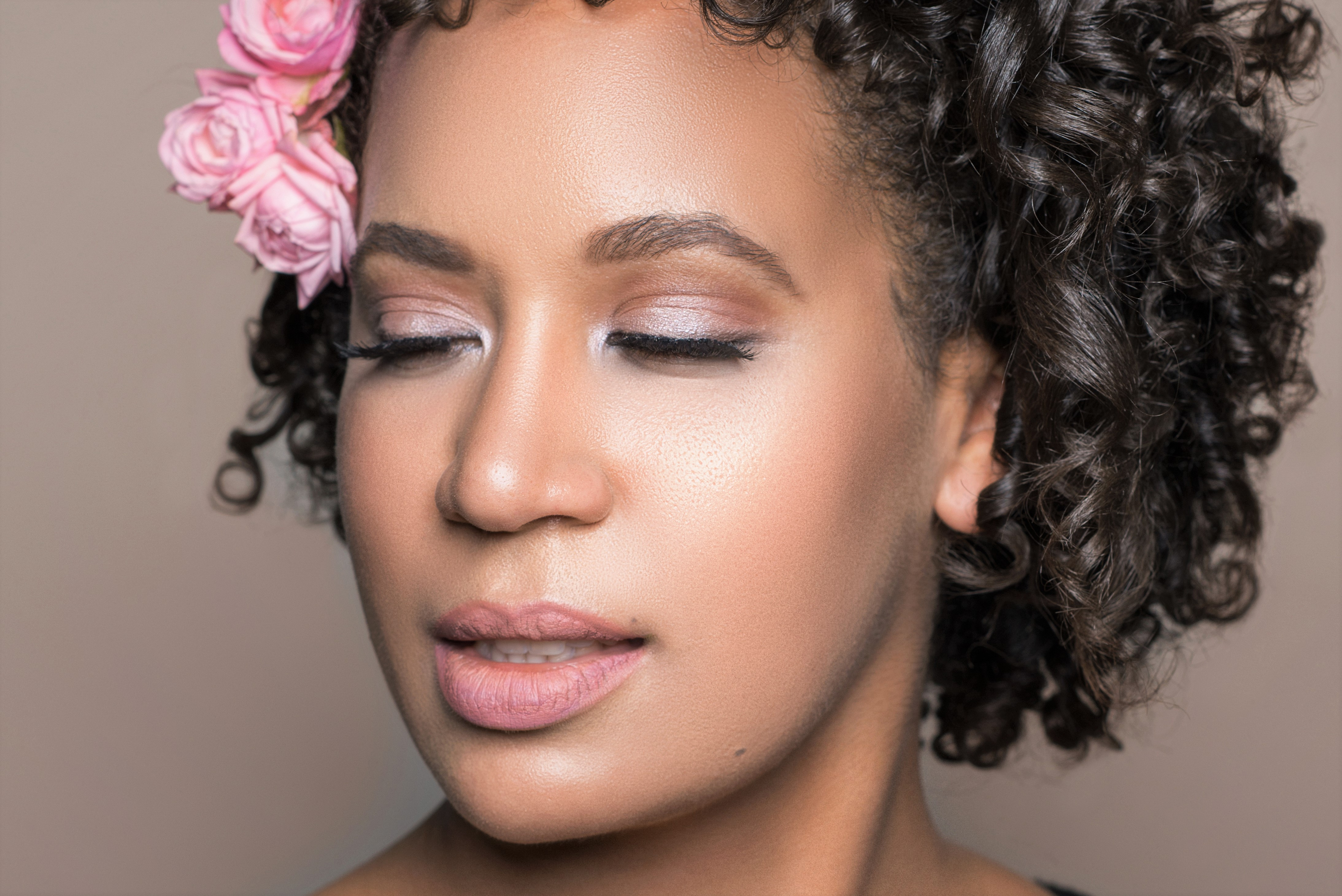 natural-black-bride-makeup-hair-curls-flowers-pink-